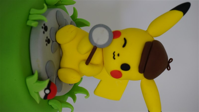 cake topper pokemon detective pikachu