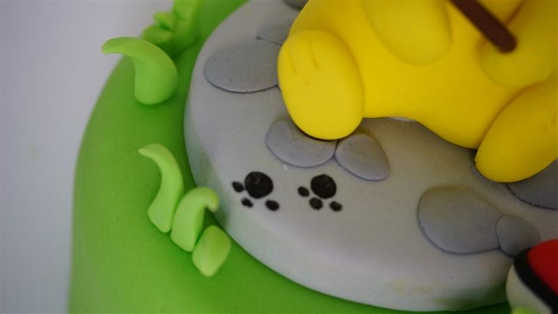 pikachu cake topper zampe
